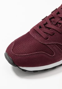 New Balance - WL373 - Baskets basses - red - 2