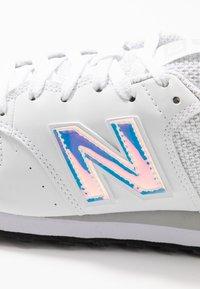 New Balance - GW500 - Sneakersy niskie - white - 2