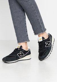 New Balance - WL996 - Zapatillas - black - 0