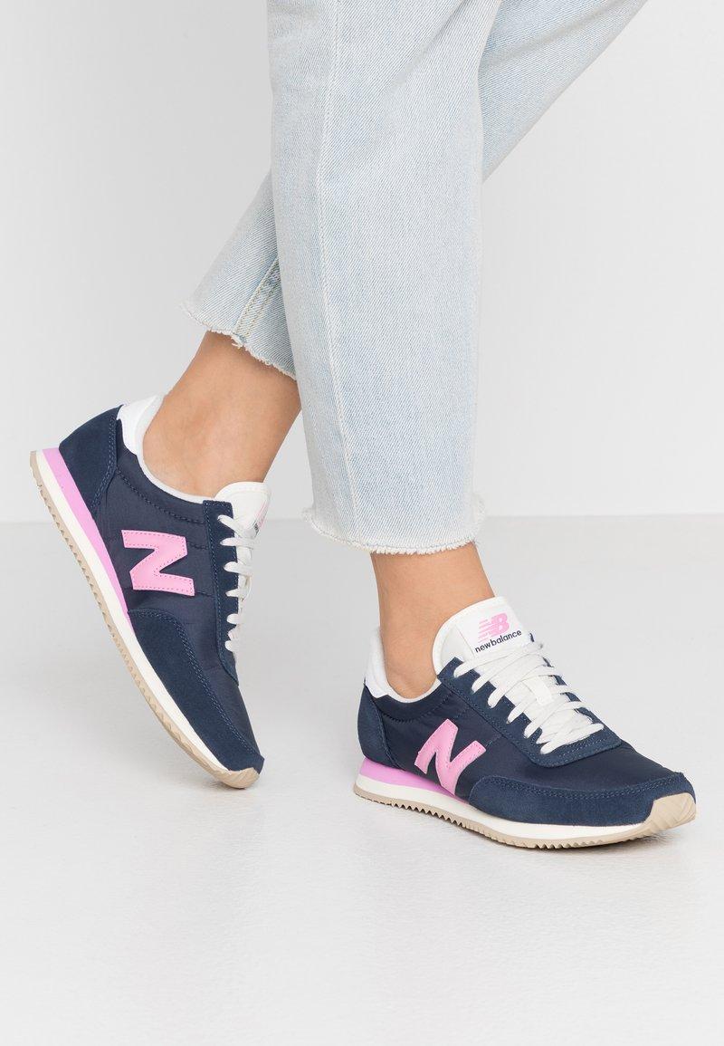 New Balance - WL720 - Baskets basses - navy/pink