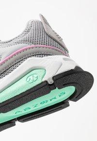New Balance - WSXRC - Sneakersy niskie - grey - 2