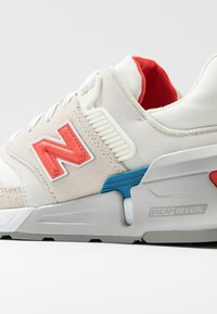 New Balance - WS997 - Sneakers - offwhite - 2