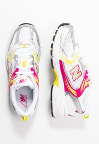 New Balance - MR530 - Sneakersy niskie - white - 5