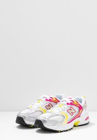 New Balance - MR530 - Sneakers laag - white - 4