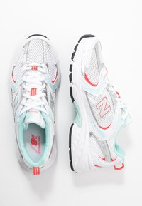 New Balance - MR530 - Matalavartiset tennarit - white