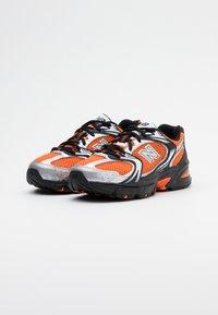 New Balance - MR530 - Sneakers laag - orange - 2