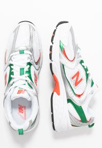 New Balance - MR530 - Sneakers laag - white/green/orange - 3