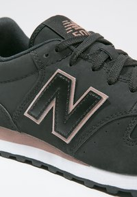 New Balance - GW500 - Sneakersy niskie - black - 6