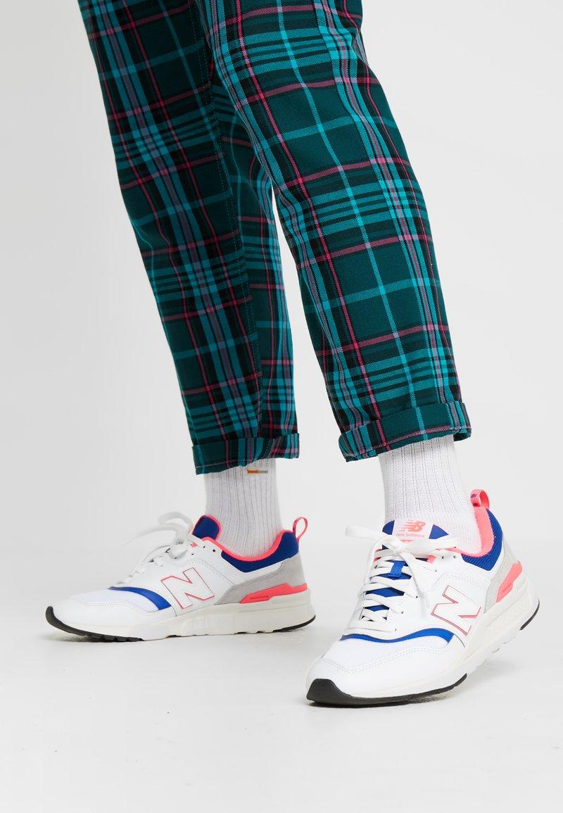 New Balance - CM 997 - Sneakersy niskie - white