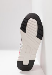 New Balance - CM 997 - Sneakersy niskie - white - 5