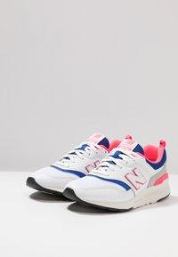 New Balance - CM 997 - Sneakersy niskie - white - 2