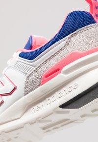 New Balance - CM 997 - Sneakersy niskie - white - 8