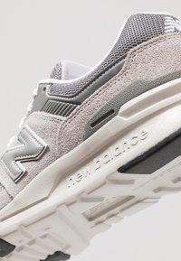 New Balance - CM 997 - Sneakers basse - marblehead - 8