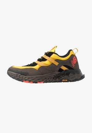 850 - Baskets basses - yellow/black