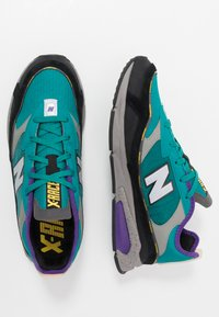 New Balance - X-RACER - Sneakersy niskie - green/black - 1