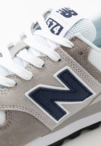 New Balance - 574 - Zapatillas - grey/white - 5