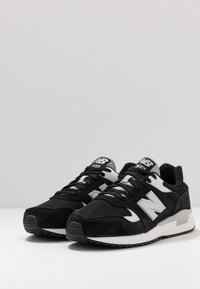 New Balance - 570 - Sneakers basse - black/white - 2