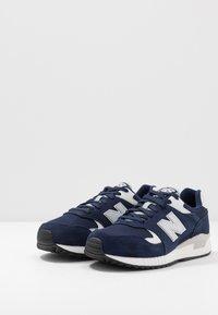 New Balance - 570 - Sneakers basse - navy/white - 2