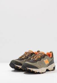 New Balance - 801 - Sneakers basse - green/orange - 2
