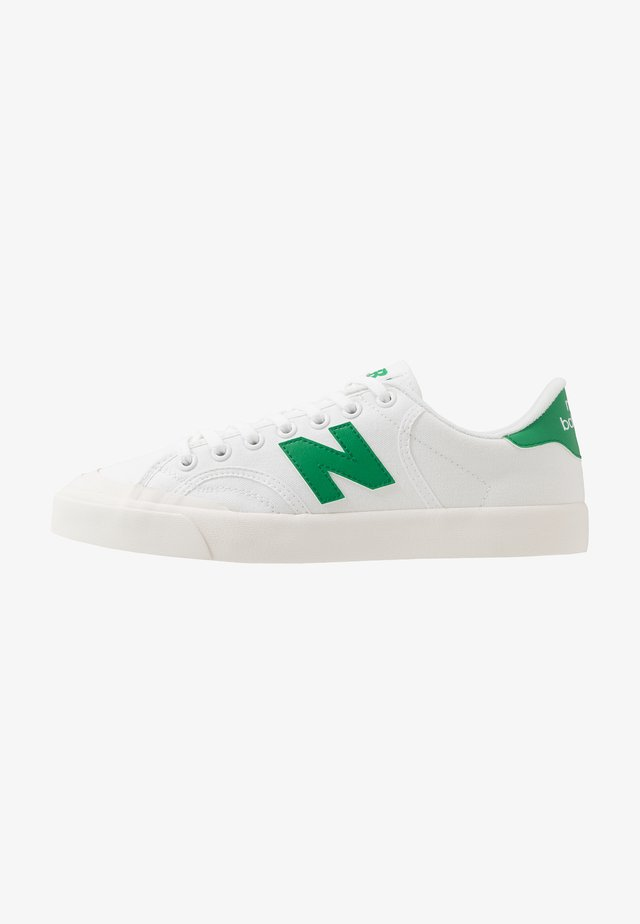 PRO COURT - Baskets basses - white/green