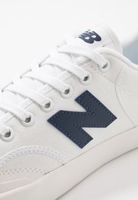 New Balance - PRO COURT - Sneakers basse - white/blue - 5