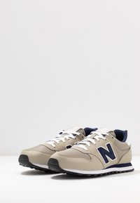 New Balance - Baskets basses - tan - 2