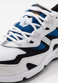 New Balance - Sneakers laag - white/blue - 5
