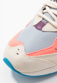 New Balance - Sneakers laag - grey/pink - 5