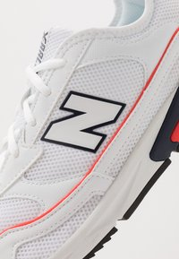 New Balance - X-RACER - Baskets basses - white/red - 5