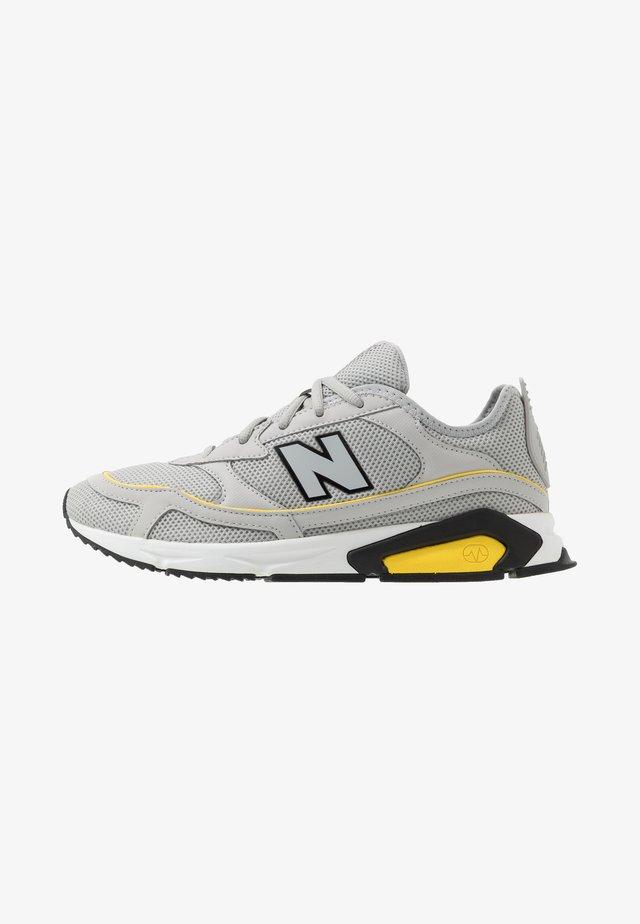 X-RACER - Sneakers laag - grey/yellow