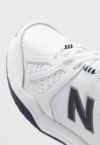 New Balance - MX624 - Sneakers - white/navy - 5