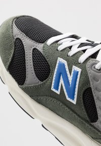 New Balance - MSX90 - Trainers - green/black - 5
