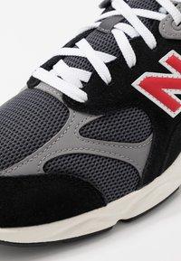 New Balance - MSX90 - Sneakers - black/grey - 5