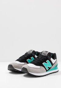 New Balance - ML547 - Sneakers laag - black - 2