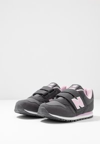 New Balance - YV373CE - Sneaker low - grey/pink - 3