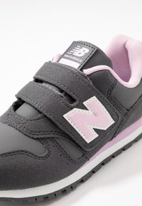 New Balance - YV373CE - Sneaker low - grey/pink - 2