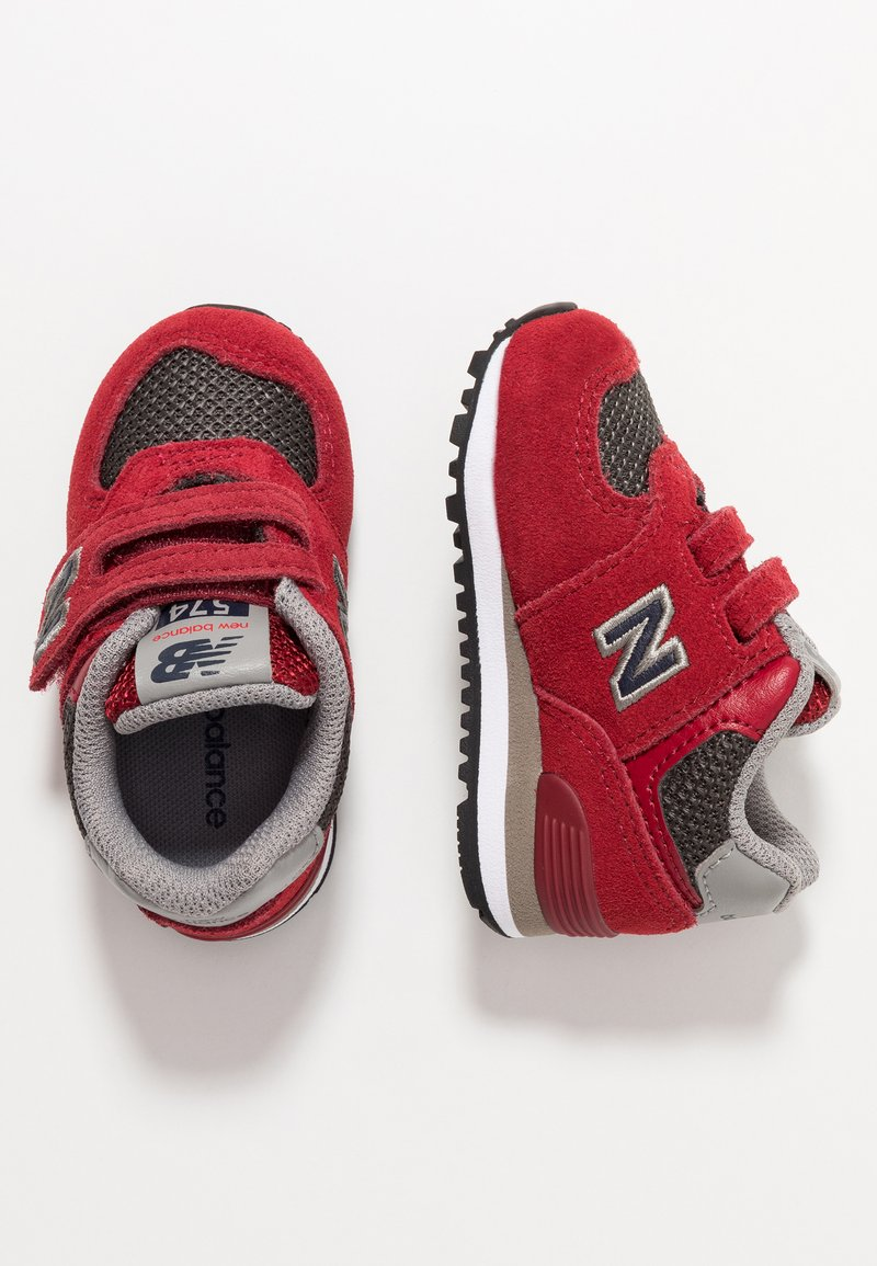 New Balance - IV574FNG - Sneakersy niskie - red