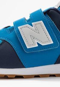 New Balance - YV574DMB - Sneakersy niskie - blue - 2