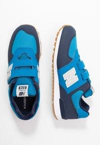 New Balance - YV574DMB - Sneakersy niskie - blue - 0