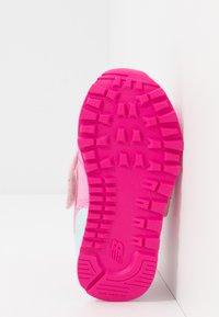 New Balance - IV574MCK - Sneakersy niskie - pink - 5