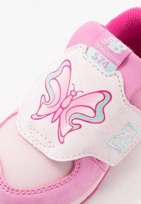 New Balance - IV574MCK - Sneakersy niskie - pink - 2