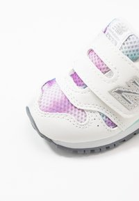 New Balance - IV373GW - Baskets basses - white/purple - 2