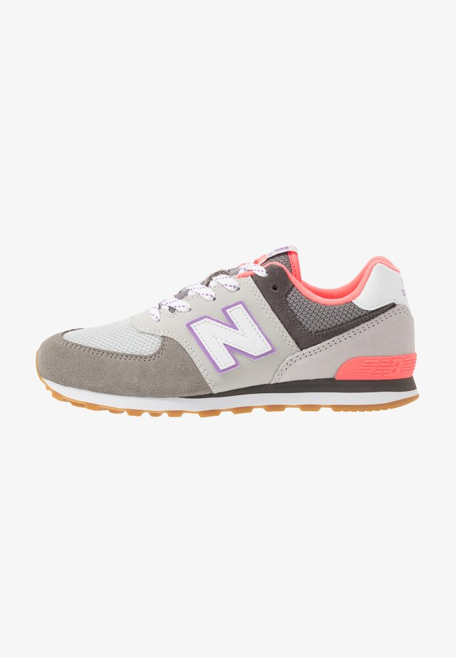 PC574SOC - Trainers - grey/pink