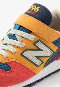 New Balance - YV996TRL - Tenisky - multicolors - 2