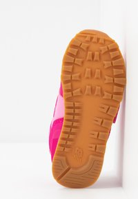New Balance - IV574DMP - Sneakers basse - pink - 5