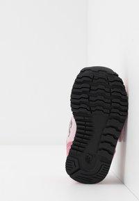 New Balance - IV373KP - Sneakers - madder rose - 5