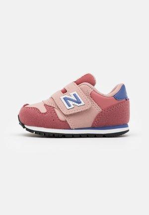 IV373KPP - Sneakers laag - pink/grey