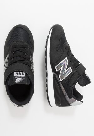 YV996HGY - Sneaker low - black