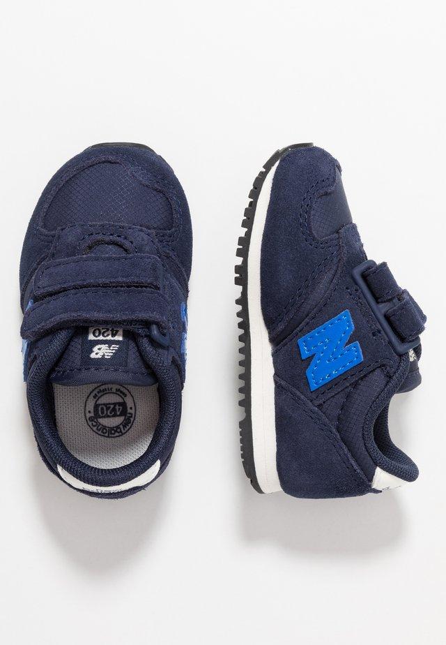 IV420SB - Sneakers laag - navy
