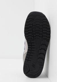 New Balance - YC373KG - Sneakersy niskie - grey/navy - 5